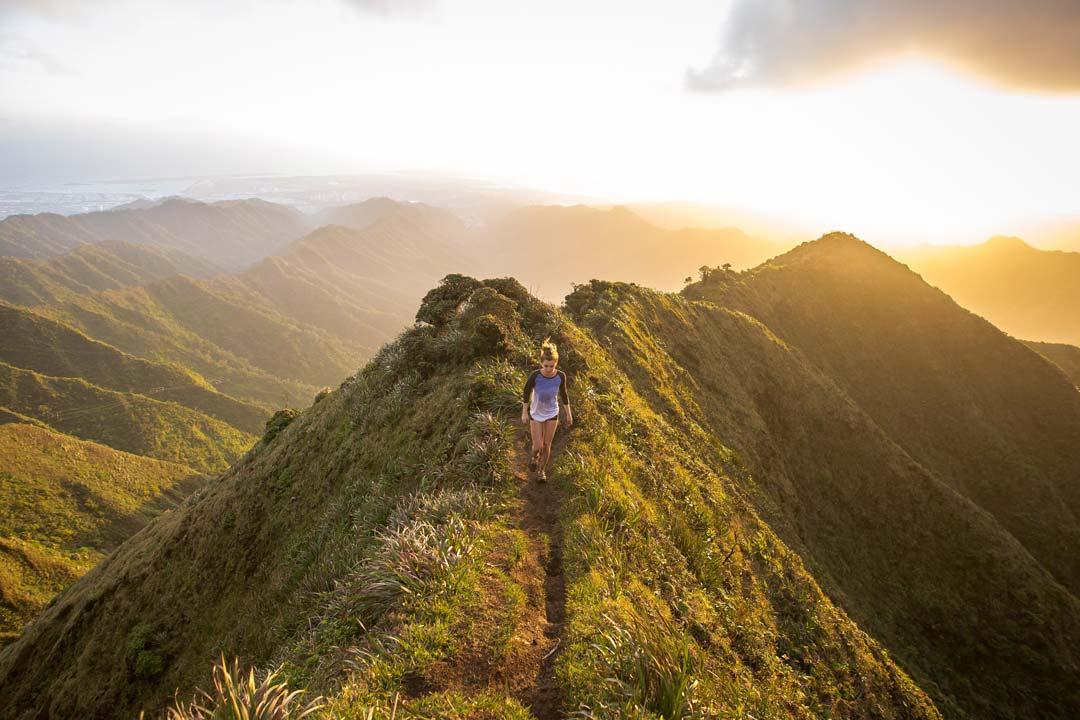 Trail Running Women during evening sun